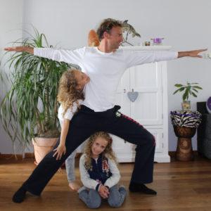 Paul, Angela en Ayelen's gekke houding